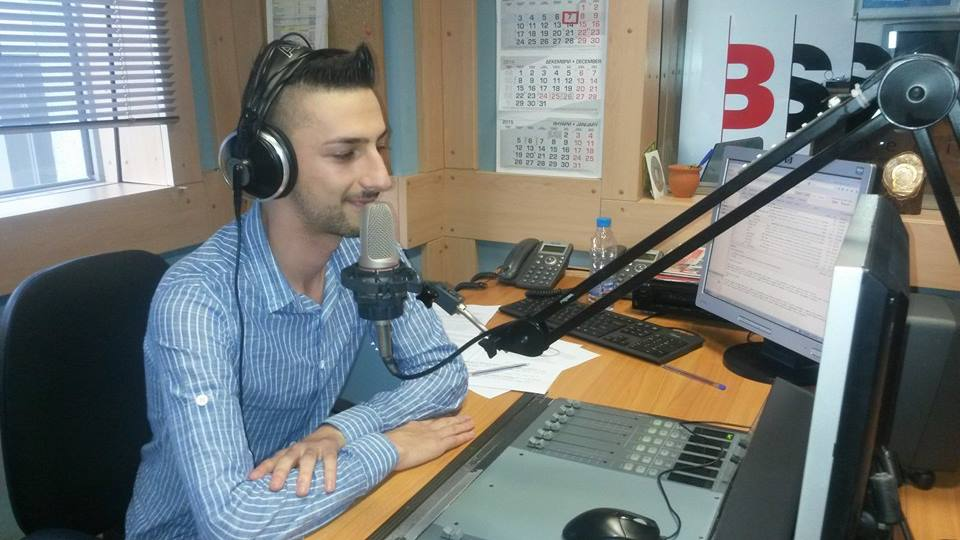 Снимка: архив Тео, като радио-водещ преди години в София, Теодор Тодоров - Тео